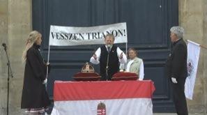 Június 4-én hetedik alkalommal rendezett megmozdulást Versailles-ban, a trianoni békeparancs városában a Magyarok Világszövetsége